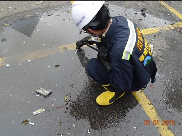 事故現場廢水pH值檢測