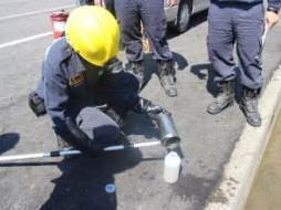 溝渠廢液採樣與酸鹼值量測