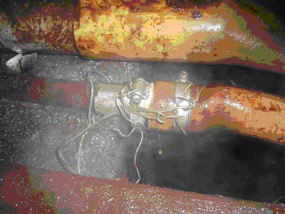 破裂管線以軟管接續