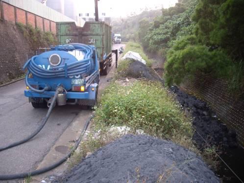 清除業者水肥車抽取廢液情形