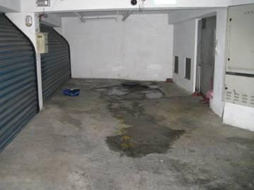 事故現場 (地下室停車庫)
