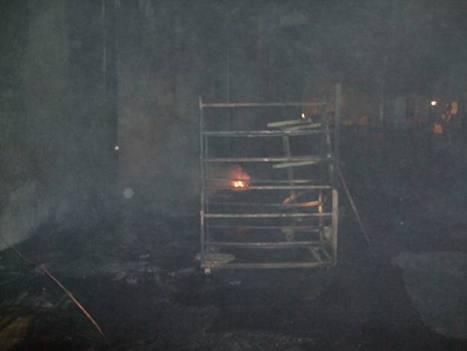 事故現場殘火燃燒狀況