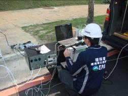 應變人員以FTIR進行環境監控分析