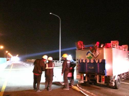 應變對提供事故現場緊急照明