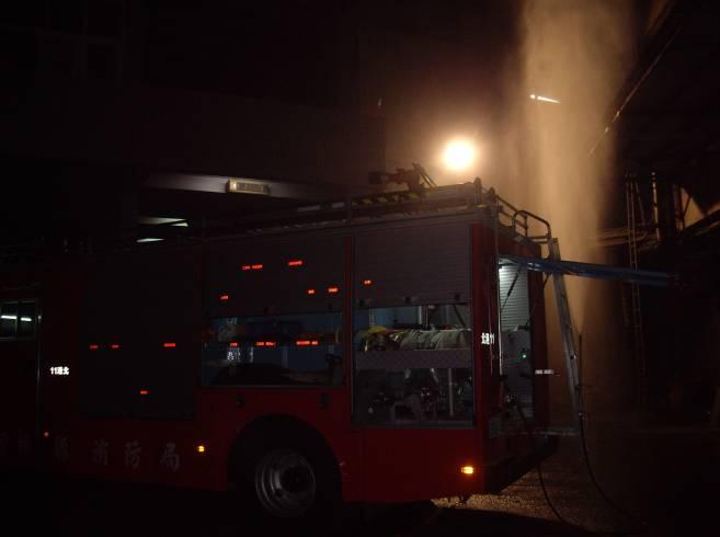 消防局採水霧防護