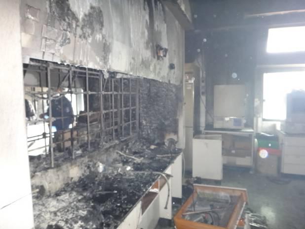 現場遭燒毀之抽風櫃