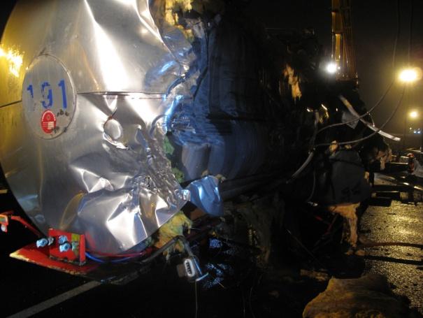 槽車損壞狀況照片
