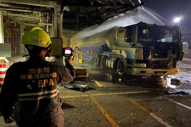 高雄市林園區某公司槽車卸料過程爆炸事故